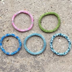 lily and laura bracelets super cute! 5 for 20$